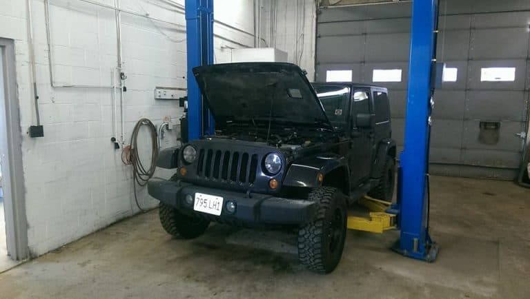 JEEP-IN-SHOP2